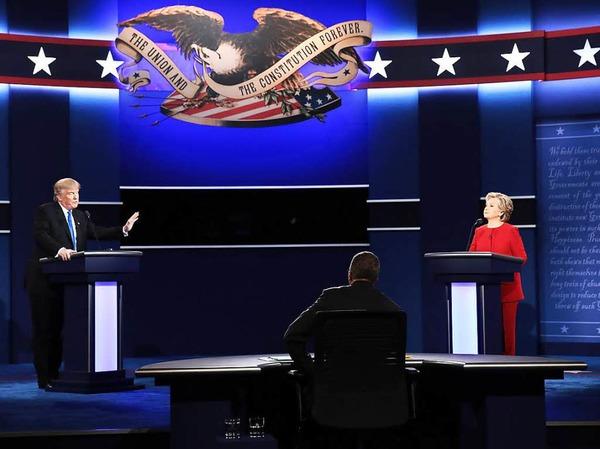 Hillary Clinton und Donald Trump treffen bei ihrem ersten TV-Duell aufeinander.