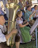 Musikalische Unterhaltung durch Musikverein Gurtweil und Hard-Polka-Wage in Brenden