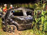 VW Polo mit acht Insassen �berschl�gt sich – zwei Tote