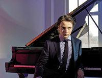 Daniil Trifonoc spielt Schumanns Klavierkonzert im Festspielhaus