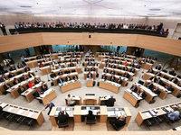 Mehrheit b�gelt AfD-Antrag im Landtag ab