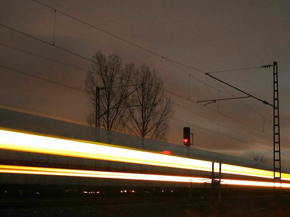 Endlosprojekt Rheintalbahn: Auf dem ge... Gleis sollen ab 2031 die Züge rollen.  | Foto: Hans-Peter Ziesmer