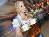 Selbstversuch als Oktoberfest-Bedienung in Freiburg