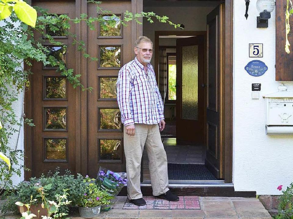 Fühlt sich in seinem eigenen Haus in O...hopfheim wie ein Fremder: Rolf Kranz    | Foto: Christian Engel