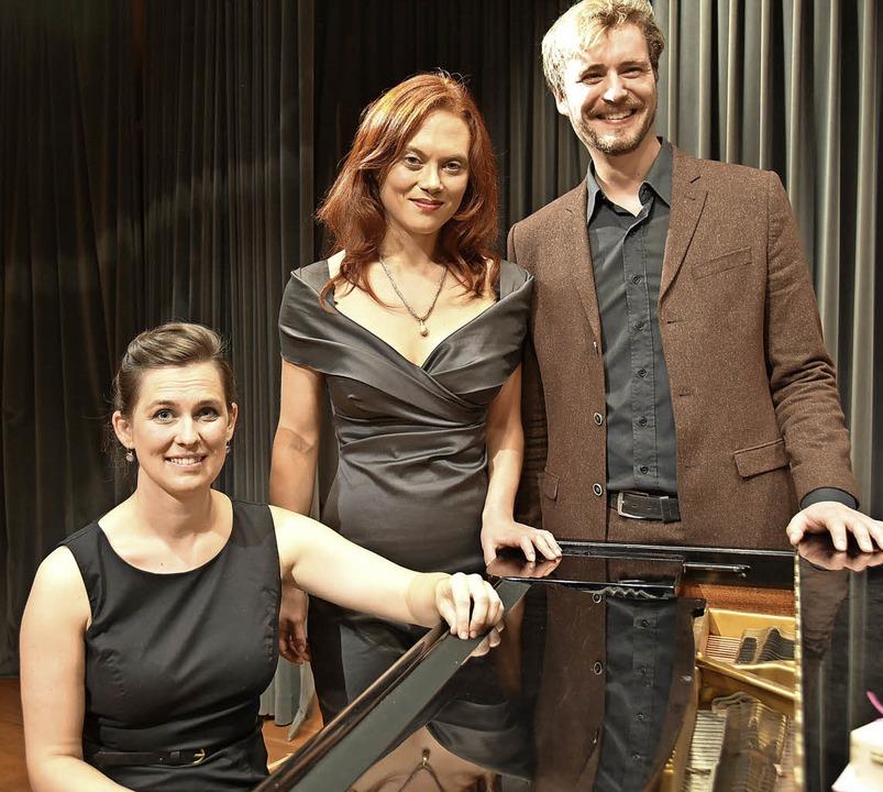 Christine Schandelmeyer, Lena Sutor-We...in schaurige Klangwelten (von links).   | Foto: Andrea Steinhart