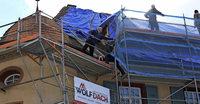 Neues Dach f�r Altes Schloss