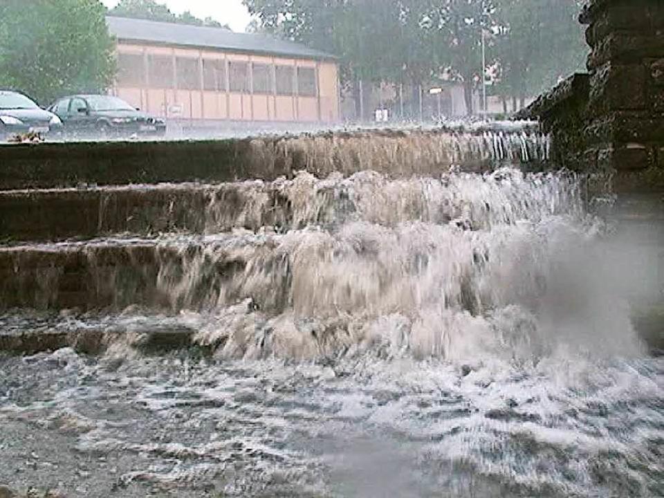 <ppp> und die Treppe zum gefährlichen Wasserfall.</ppp>  | Foto: Jürgen Jung