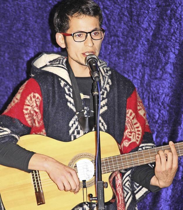 Felix Villalobos aus Chile brachte Musik aus seiner Heimat auf die Bühne.    Foto: Gert Brichta