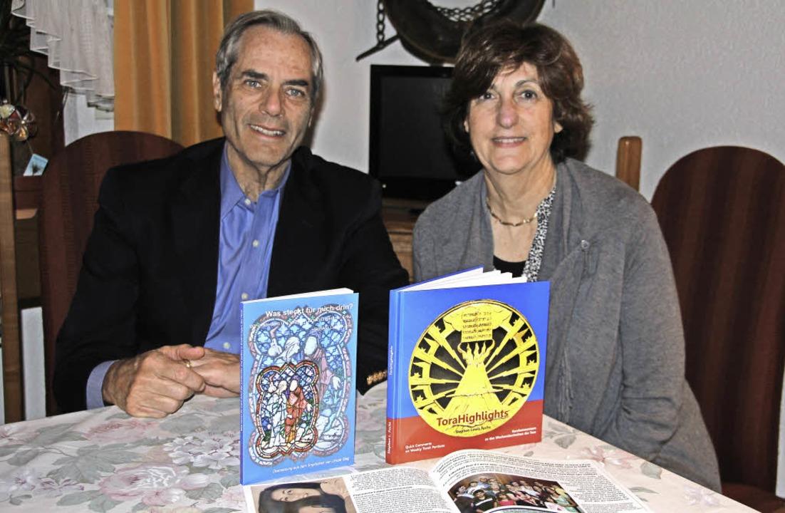 Hohen Besuch zum höchsten jüdischen Fe... Fuchs und seine Victoria aus den USA.  | Foto: S. Model