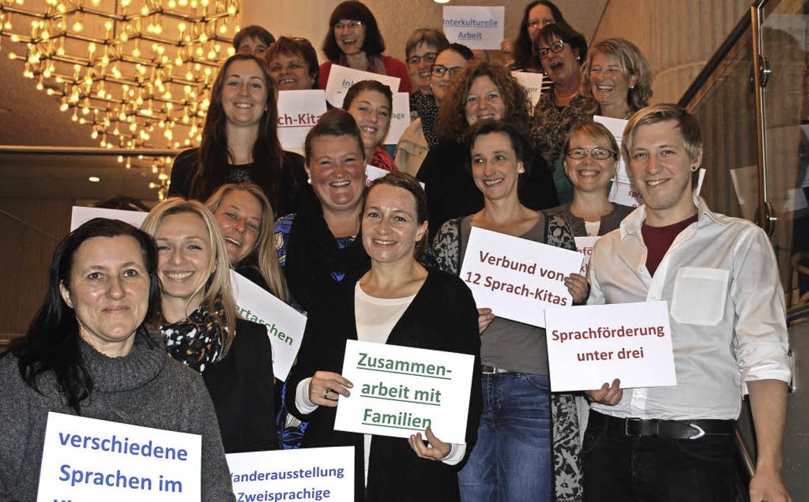 Mitarbeiterinnen der sieben Lörracher ...trafen sich  zum Erfahrungsaustausch.   | Foto: Mink