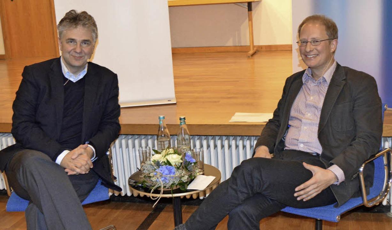 Im Dialog mit Matthias Zeller: Ludwig Theodor Heuss (links)   | Foto: Steineck