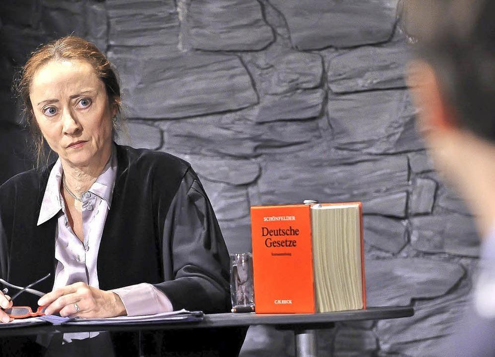 Strenger Blick der Richterin (Regine Effinger)  | Foto: Matthias Kolodziej