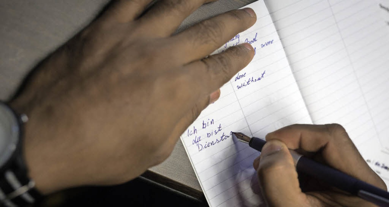 Deutschunterricht ist für die Flüchtli...griert zu werden, ist noch wichtiger.   | Foto: Symbolbild: dpa