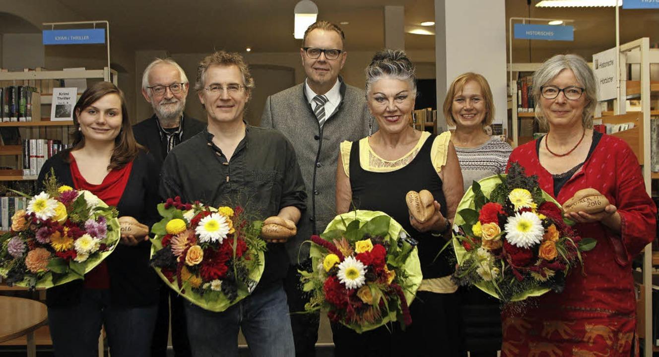Preisverleihung (von links):  Kathrin ...athek und  Anette Zirlewagen-Burzlaff   | Foto: Heidi Fössel