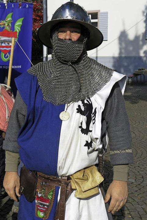 Der Ritter Eymar von Urberg am Rathaus  | Foto: Georg Voß
