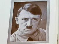 Adolf Hitler ist immer noch Ehrenb�rger von Mei�enheim