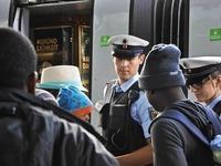 Bundespolizei f�ngt in der Schweiz Asylbewerber ab