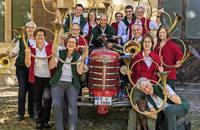 Organist Engelbert Ehret und die Jagdhornbl�sergruppe Markgr�flerland im der Kirche Mari� Himmelfahrt in Kirchhofen