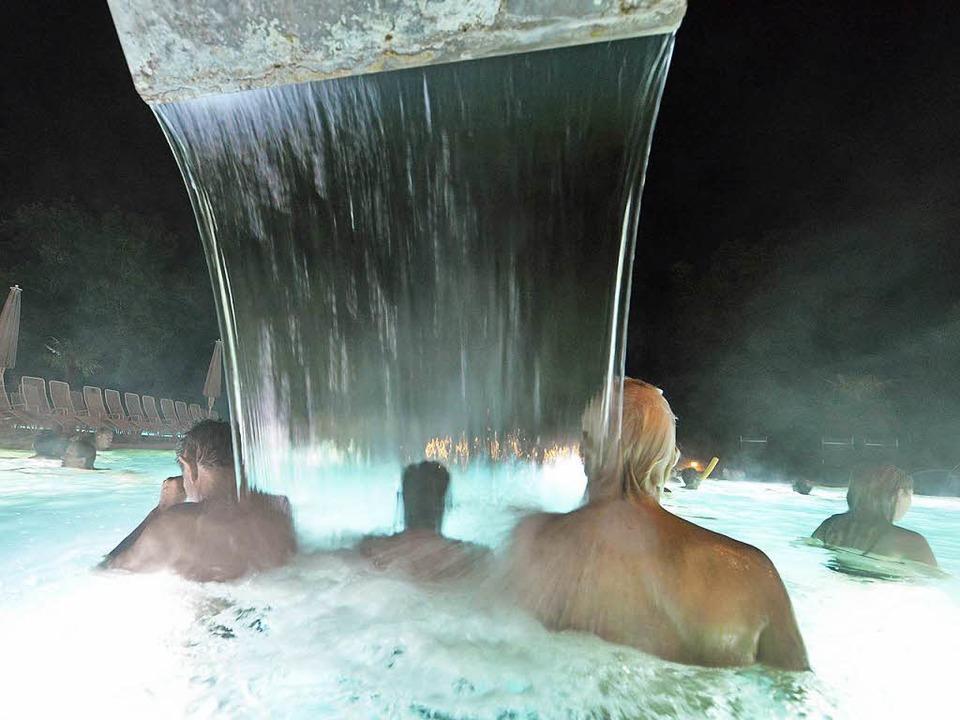 In heißen Thermalquellen baden erhöht ...t gegen Depressionen, sagen Mediziner.  | Foto: Michael Bamberger