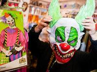 Wie nimmt man Kindern die Angst vor Horrorclowns?
