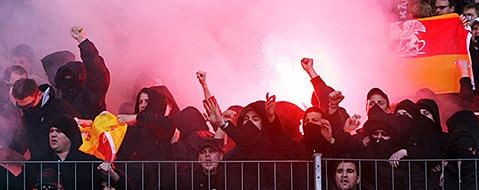 1350 Polizisten sollen Derby in Karlsruhe sch�tzen