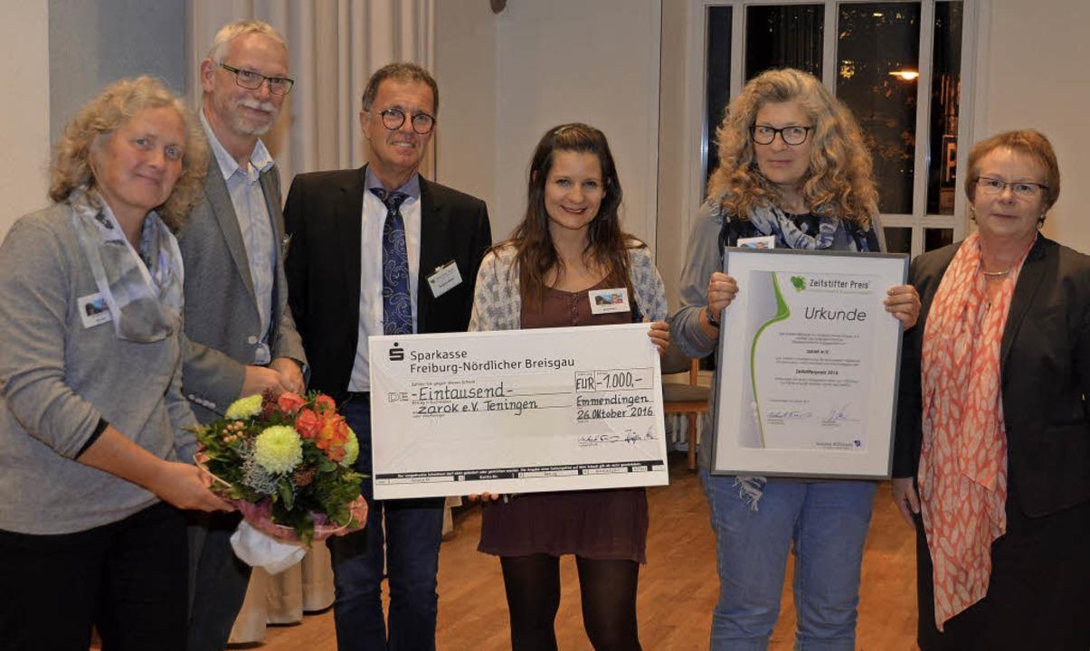 Verleihung des Zeitstifterpreises an  ...e Laudatorin Hannelore Reinbold-Mench.  | Foto: Benedikt Sommer