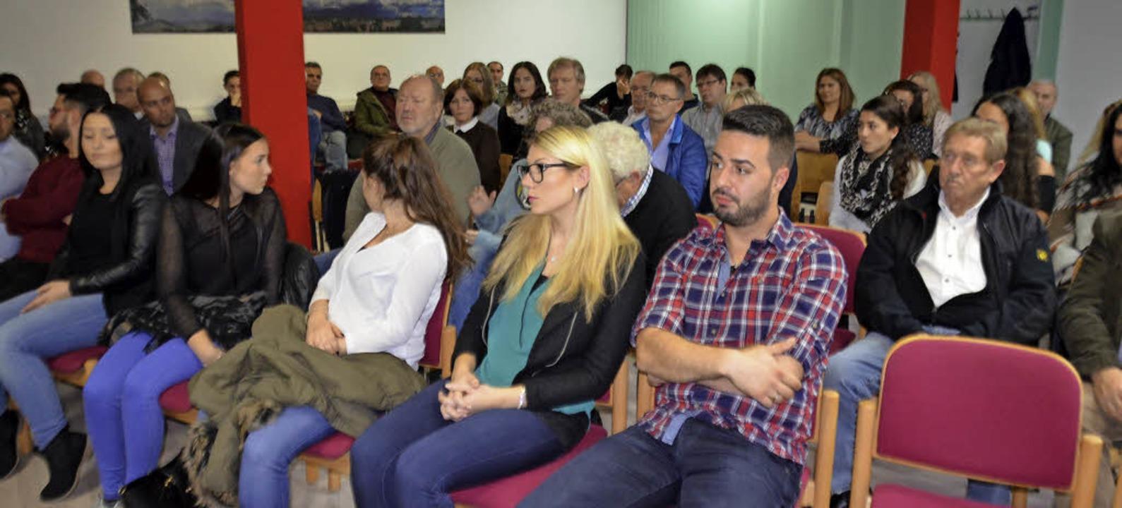 Zahlreiche Interessierte nahmen an der...itischen Gemeinde in Schopfheim teil.   | Foto: Sarah Trinler