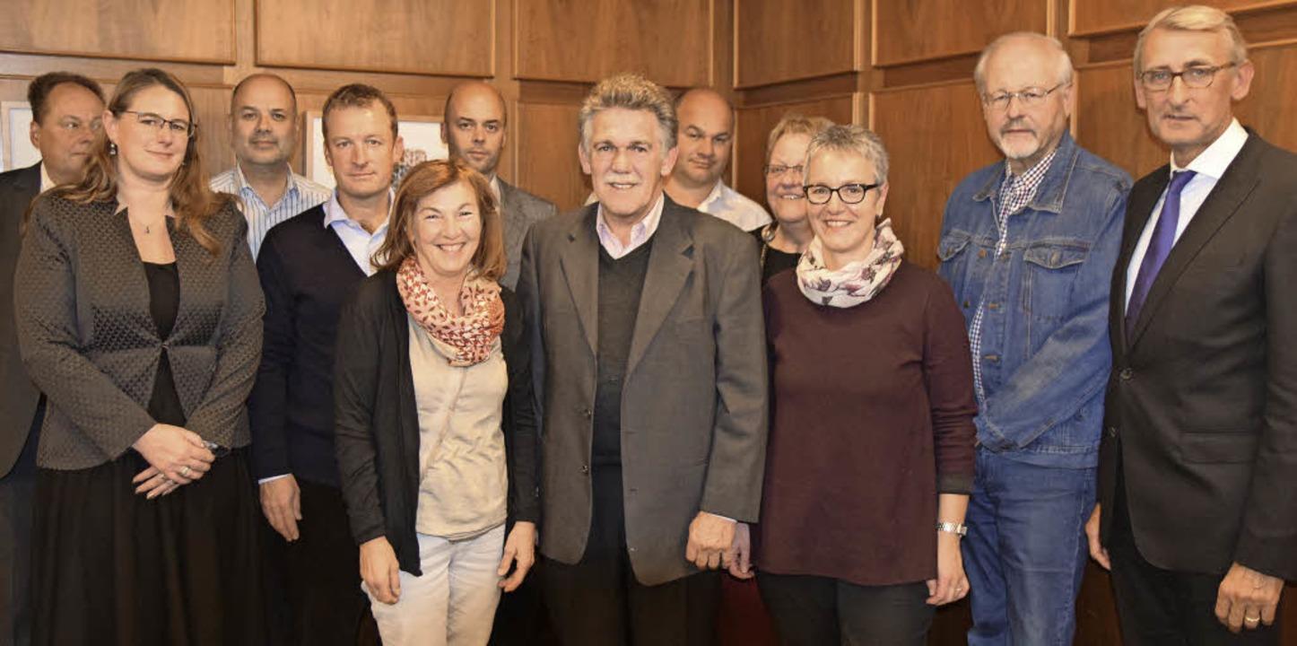 Das neue Vorstandsteam des CDU-Stadtve...tagsabgeordneter Armin Schuster (re).   | Foto: zvg