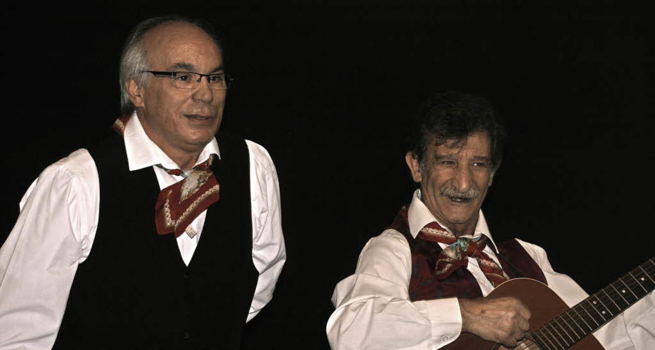 Italienische Volksmusik präsentierten ... Serrano und Michele Dai (von links).     Foto: Aloisia Zell