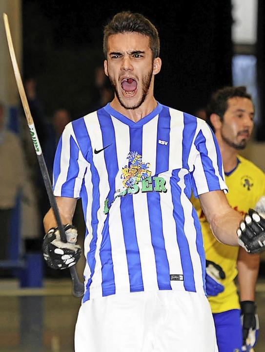Muss raus, der Jubel: der vierfache Torschütze Jorge Villamil  | Foto: Schön