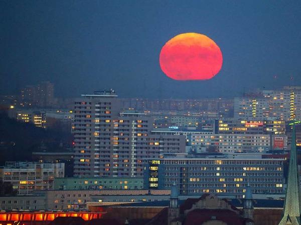 Mondaufgang über Berlin