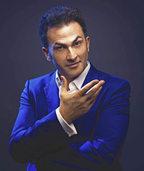 """Fatih Çevikkollu mit seinem Soloprogramm """"Emfatih"""" im Vorderhaus"""