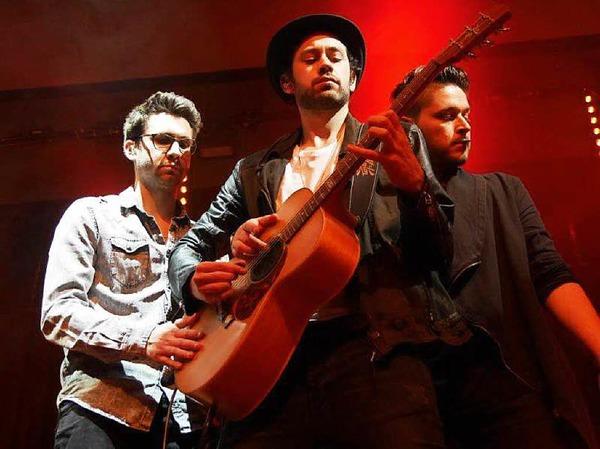 Drei Musiker - eine Kultband: Patrick Huber, Serverin Ebner und Daniele Cuviello (von links) haben als Sameday Records am Hochrhein eine wachsende Fangemeinde.