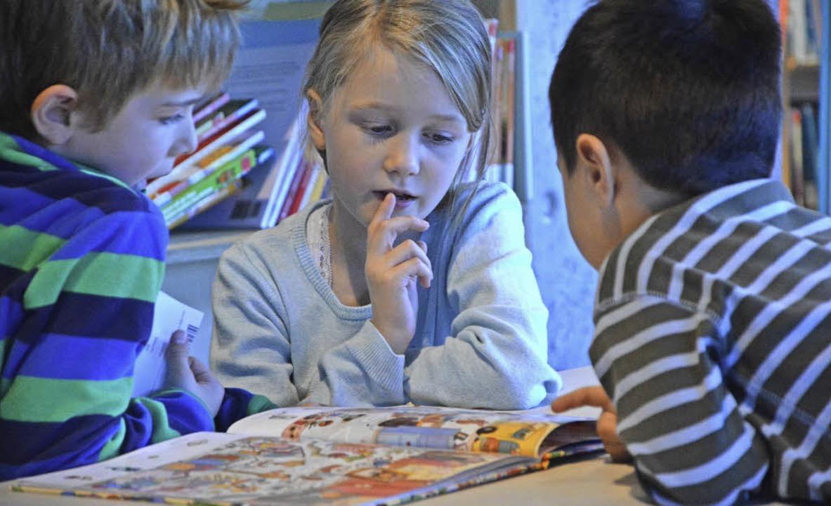 Viele Kinder waren am Wochenende vertieft in die Magie der Bücher.   | Foto: Barbara Ruda
