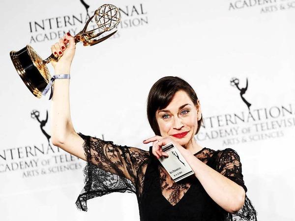 """""""Das ist das Größte, was mir bis jetzt in meinem Leben passiert ist."""" Schauspielerin Christiane Paul hat den Preis als beste Hauptdarstellerin für ihre Rolle im ARD-Film """"Unterm Radar"""" gewonnen."""