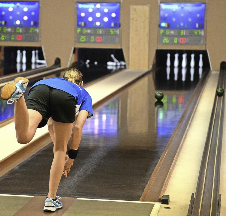 Konzentriert auf der Bahn: Kegeln ist Leistungssport.   | Foto: seeger
