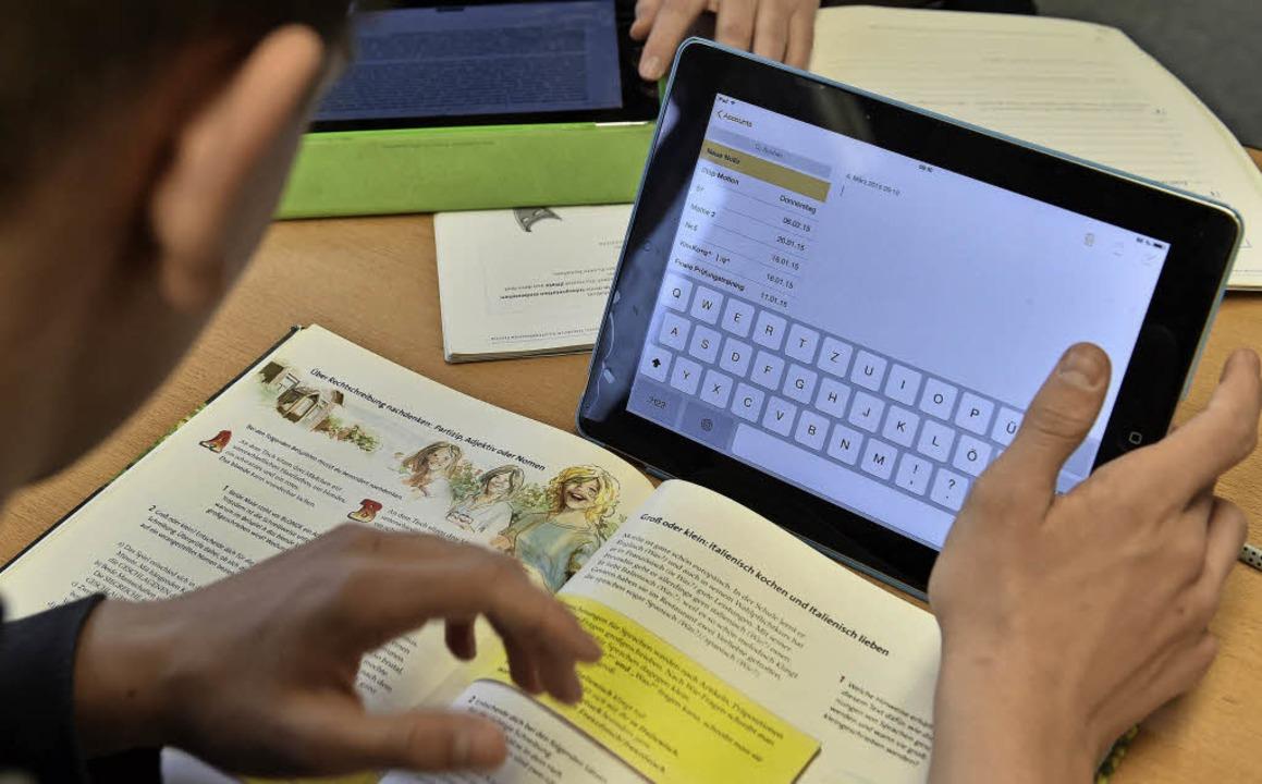 Kinder und Computer – wie geht man  an  Schulen damit um?      Foto: dpa