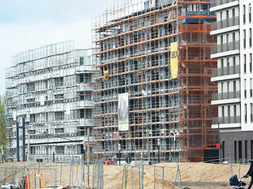 Der Bau neuer Wohnungen vor allem in d... eine Herausforderung für die Städte.   | Foto: dpa