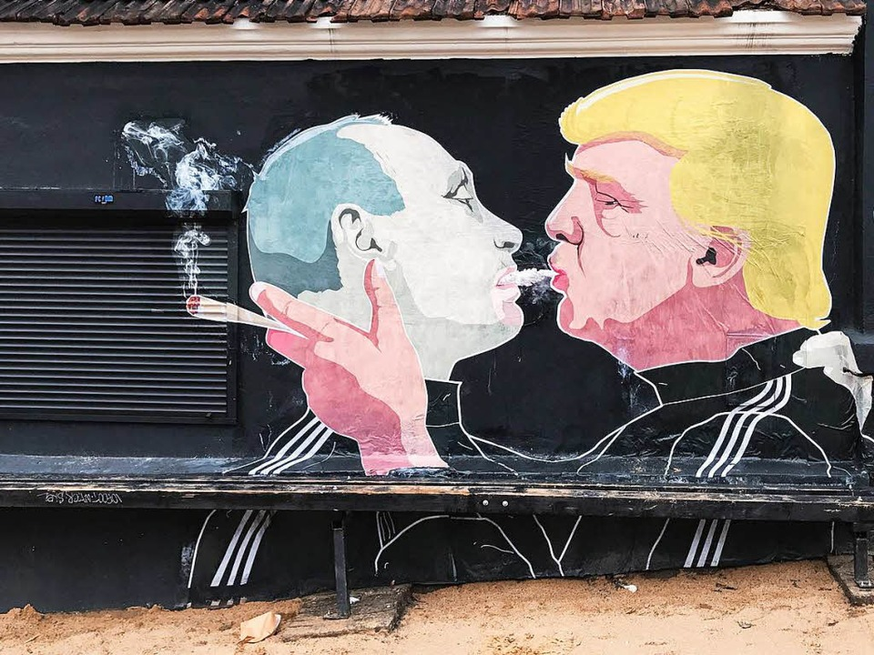 Graffitikunst in der litauischen Haupt...Freundschaft zwischen Trump und Putin.  | Foto: dpa