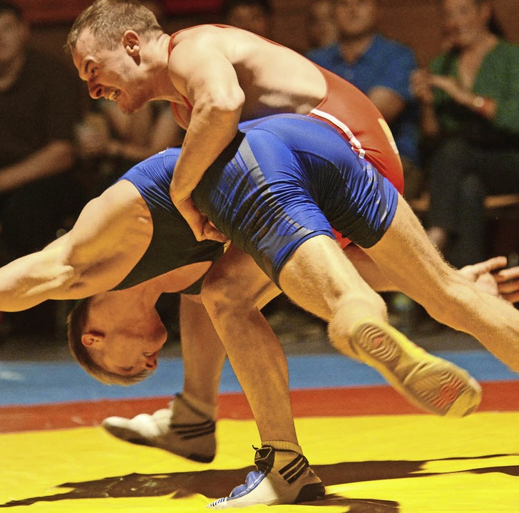 Bekommen die Eschbacher, wie hier Nasko Georgiev,  ihre Gegner zu packen?   | Foto: Seeger