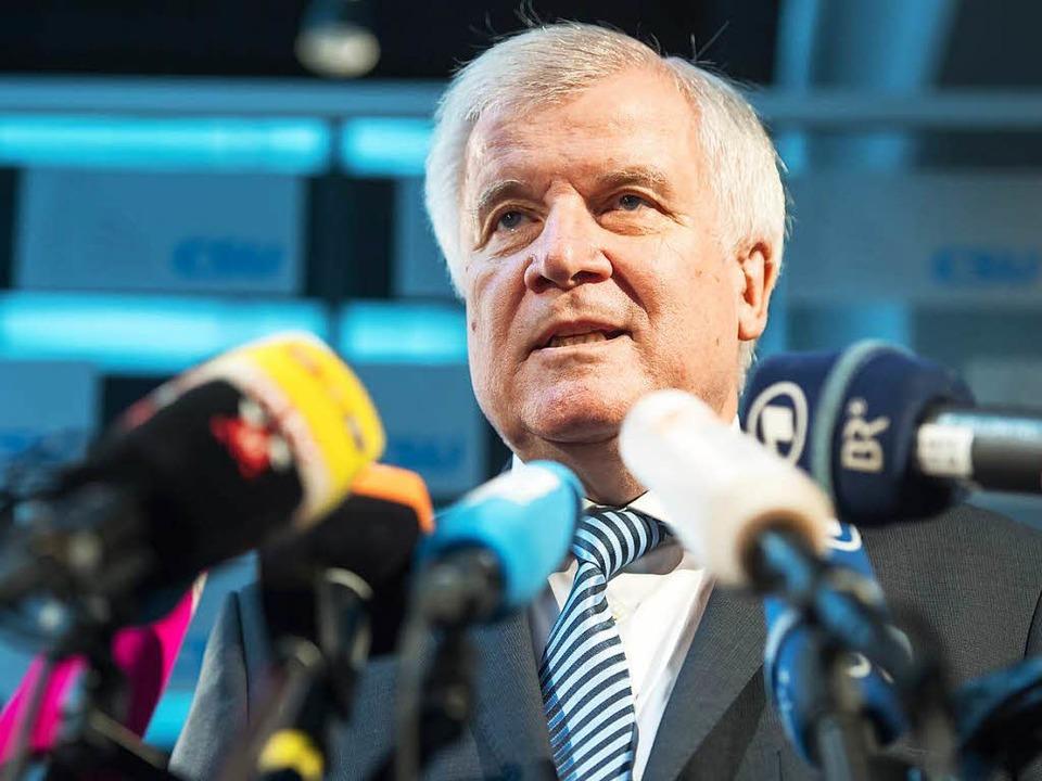 Horst Seehofer poltert wieder.   | Foto: dpa