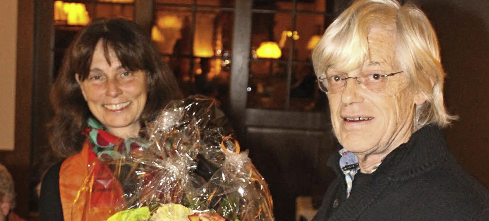 Jacqueline Dumont hat als Rechnerin au...ner Fabry dankte ihr für ihre Arbeit.   | Foto: zvg