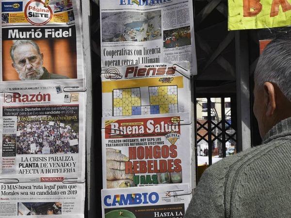 Der Tod Castros bestimmt die Titelseiten der Zeitungen.