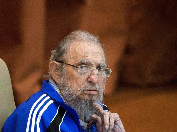 Der ehemalige kubanische Präsident Fidel Castro im Trainingsanzug, aufgenommen am 19.04.2016. Der Revolutionsführer, der Kuba 47 Jahre lang regierte, starb am 25.11.2016 im Alter von 90 Jahren.