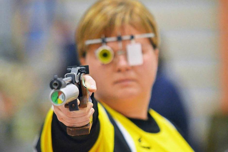 Nathalie Schelken war nach Verletzung wieder dabei: Sie unterlag ihrer Ludwigsburger Kontrahentin mit 366:383-Ringen. (Foto: Uwe Rogowski)