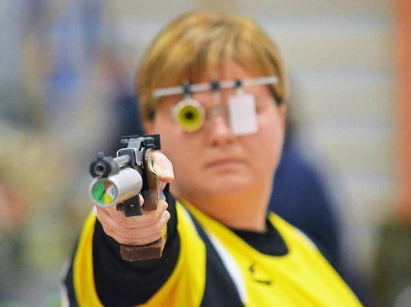 Nathalie Schelken war nach Verletzung wieder dabei: Sie unterlag ihrer Ludwigsburger Kontrahentin mit 366:383-Ringen.