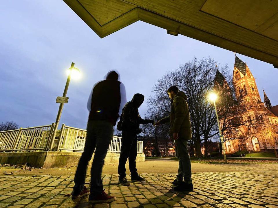 Die Drogenszene auf dem Stühlinger Kir...en alle Händler dieselbe Nationalität.  | Foto: Thomas Kunz
