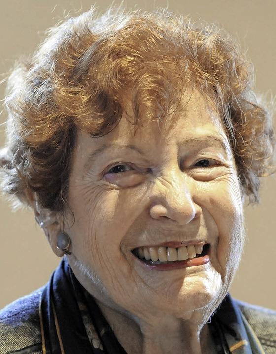 Myrthe Dreyfuss-Kahn, die Enkelin von ...zählte von ihren Kindheitserinnerungen  | Foto: Markus Zimmermann