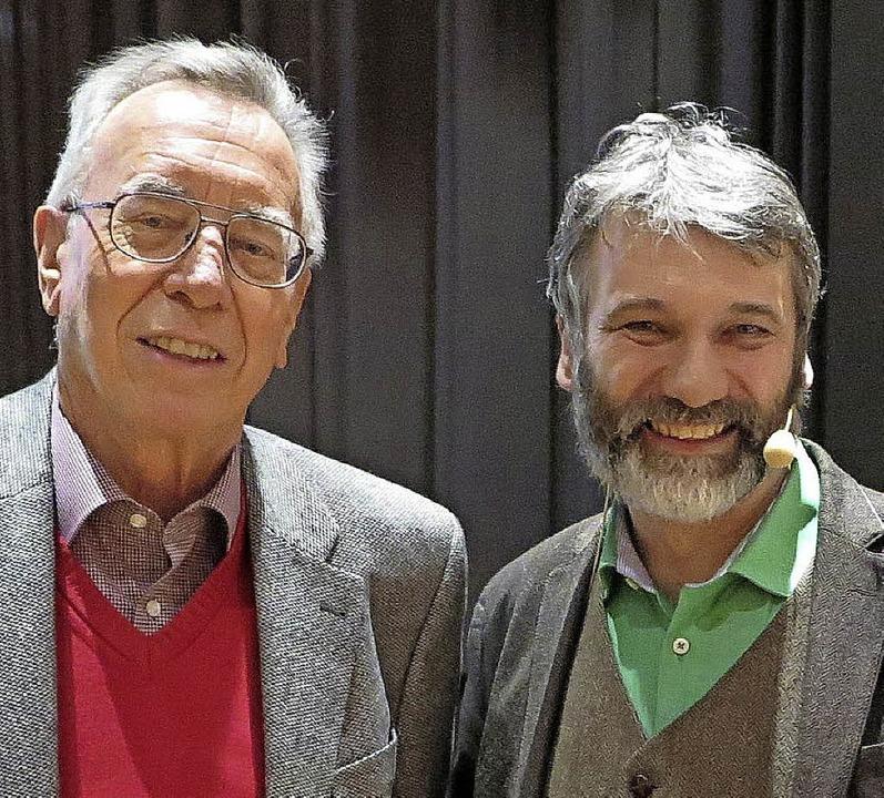 Friedrich Schöpflin vom Geschichts- un...nburg (links) mit Referent Thomas Adam  | Foto: Dorothee Philipp