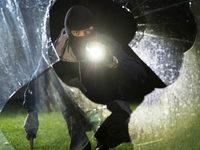 Einbrecher in Lörrach scheitern an Tresor, Polizei überprüft Verdächtige